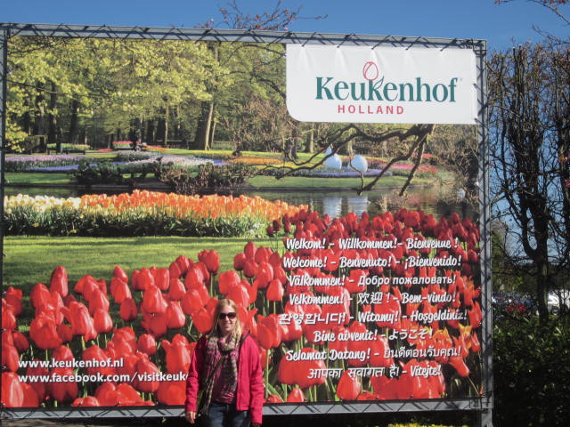 Me by the Keukenhof sign used